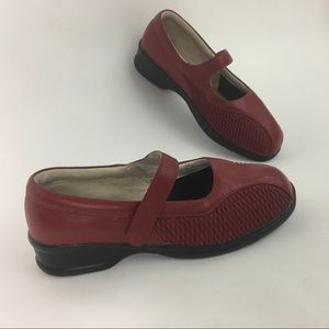 Propet Sz 9W Erika Red Leather Weave Mary Jane